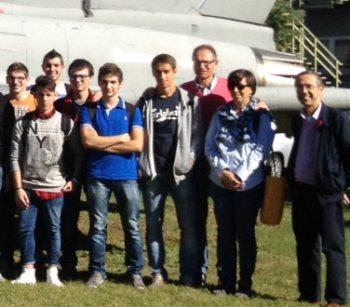 Gli studenti del Marconi  in visita alla base militare di Cameri