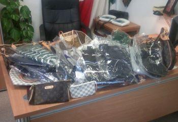 La Polfer di Novi denuncia cinque senegalesi e sequestra merce contraffatta