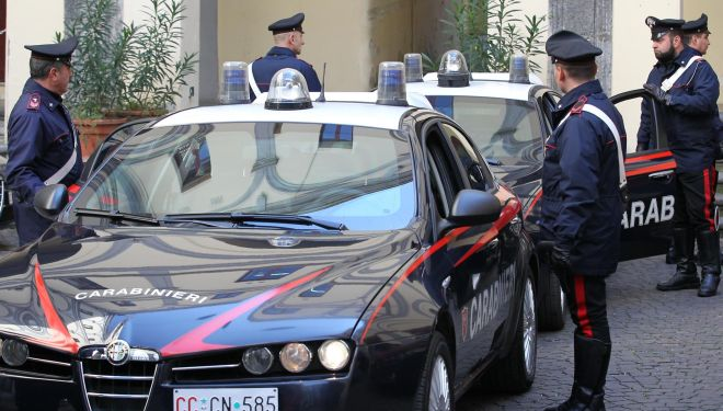 Alessandria, due denunciati per porto abusivo armi da taglio