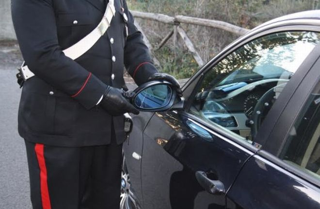 Valenza, individuato dai Carabinieri l'autore della truffa dello specchietto