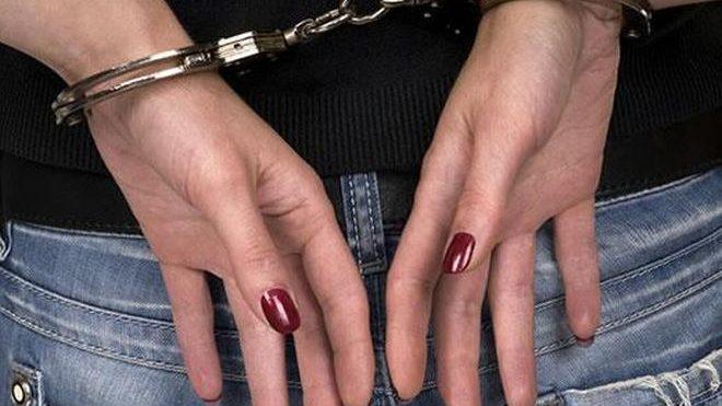 Lite fra giovani donne ad Alessandria e una viene colpita con una sbarra di ferro. La colpevole condannata