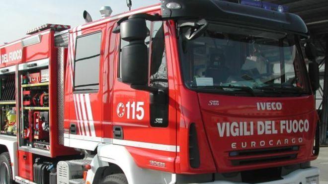 Si allaga una casa in via Ugone Visconti a Tortona, intervengono i pompieri