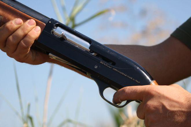 In casa nascondeva 4 fucili, munizioni e una sciabola, denunciato dai Carabinieri di Casale Monferrato