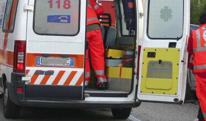 Mamma e figlio di 8 anni feriti in un incidente stradale a Casale Monferrato