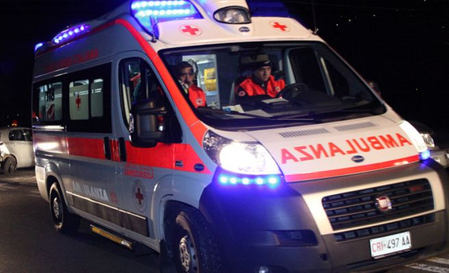 Tre ragazze fuori strada con l'auto a Villaromagnano, una è grave