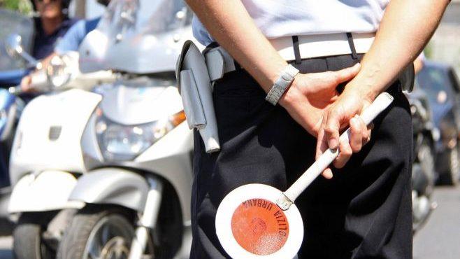 I Vigili urbani di Novi Ligure allontanano una straniera che volgeva attività illecita
