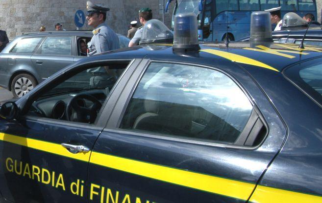 La Finanza di Casale Monferrato sequestra 74 mascherine non conformi