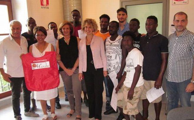 A Tortona continua la pulizia effettuata da 12 profughi nell'ambito del progetto Macramé