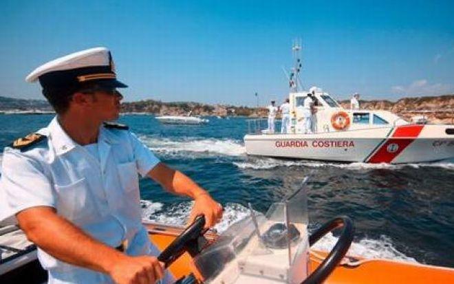 La Guardia Costiera di Imperia interviene ad Alassio per recuperare due turisti tedeschi dispersi in mare