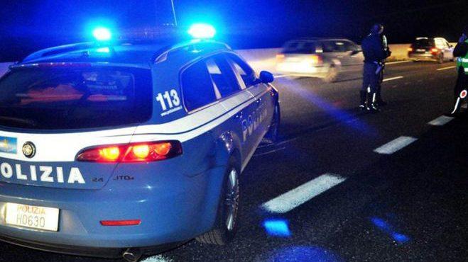 74enne di Bordighera alla guida della sua Fiat Punto percorre 4 km contromano in A/26.  Bloccato dalla Polizia Stradale di Ovada