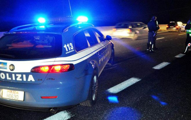 Inseguimento in auto tra Polizia e un alessandrino che uscito di casa senza motivo viene controllato, arrestato