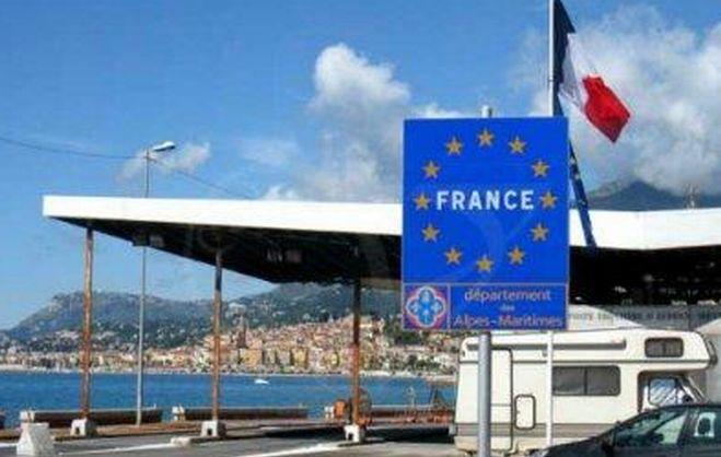 Ventimiglia, migranti nascosti nei motori dei treni verso la Francia: sgominata dalla polizia di stato gang di passeurs