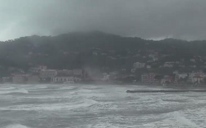 Il Comune di Diano Marina si dota di  pannelli per l'allerta meteo