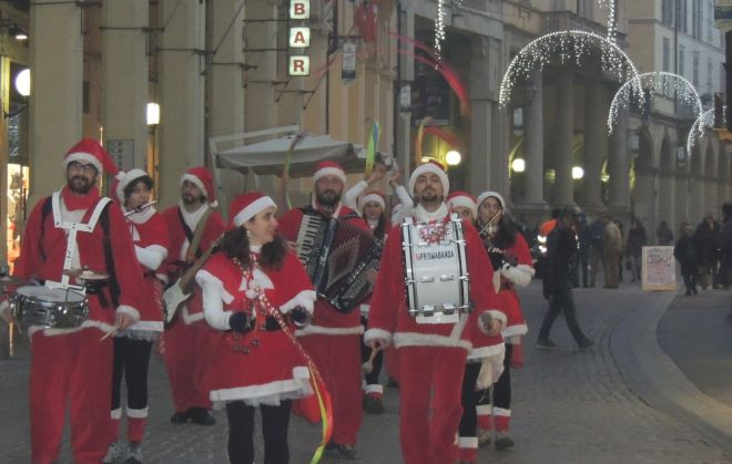 Il Comune di Tortona organizza laboratori gratuiti per imparare a decorare il Natale