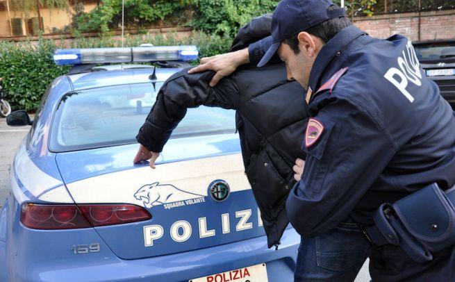 Ruba in un supermercato di Casale Monferrato, arrestato dalla Polizia