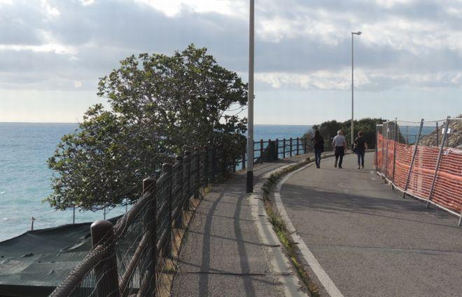 Nulla di nuovo per la Ciclabile sull'Incompiuta a Diano Marina: prima bisogna risanare Area 24, altrimenti si devono scegliere altre strade