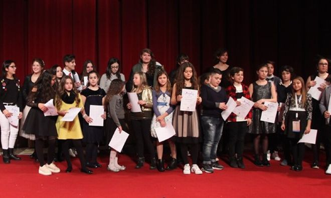 """Giunti da tutta italia per """"Sanremojunior"""" al teatro Ariston. I nomi dei vincitori"""