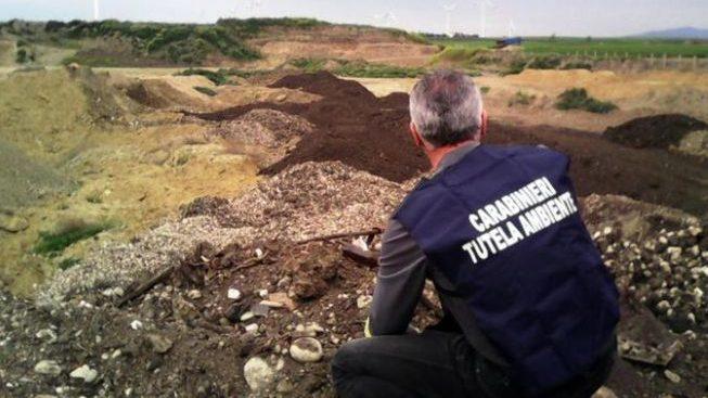 Controlli dei carabinieri del Noe di Alessandria per prevenire gli incendi di rifiuti