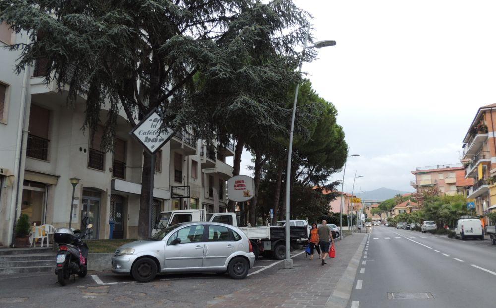 Sosta e parcheggio vietato in molte strade a San Bartolomeo fino a dicembre per la posa dei cavi in fibra ottica della Tim