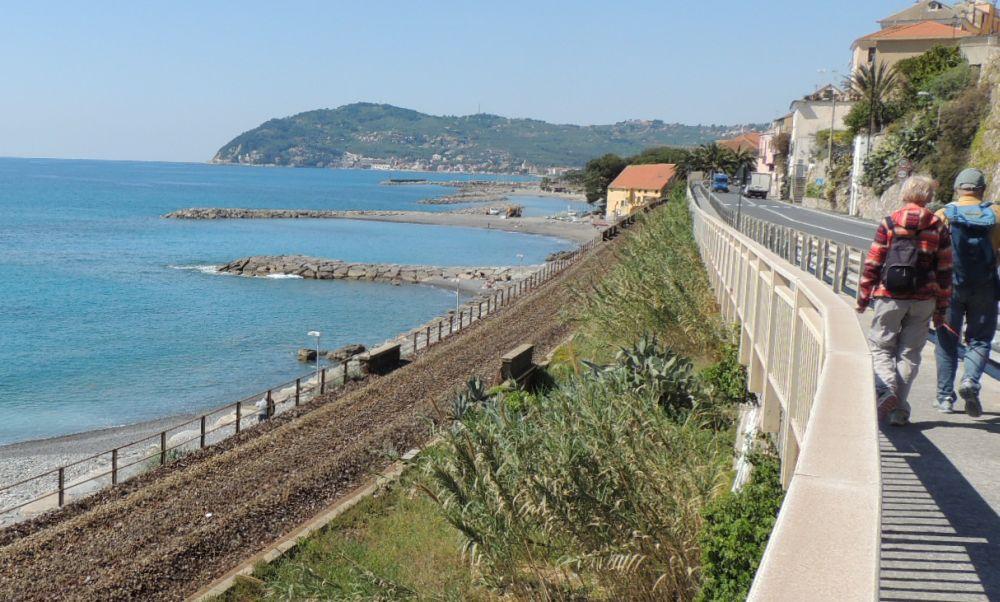 Individuati gli autori che hanno rubato il rame nell'ex linea ferroviaria a Cervo e Imperia