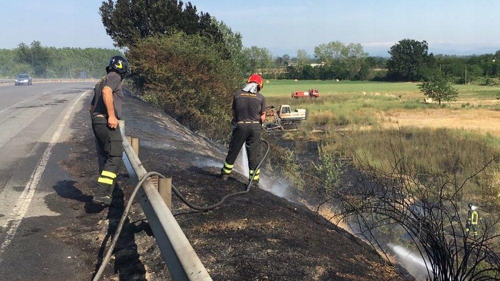 Tre incendi nel pomeriggio di ieri: uno a Tortona e due ad Alessandria