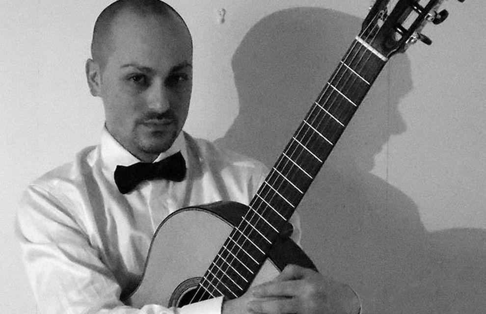 A Taggia stasera si esibisce il chitarrista Diego Autelitano