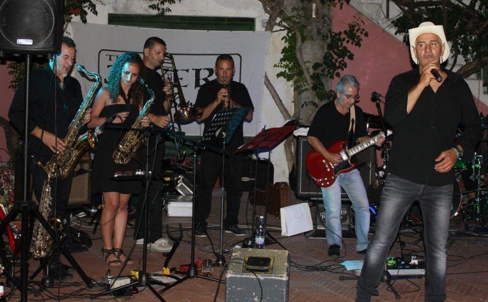 C'è il concerto della Joker blue band domenica sera a Diano Marina