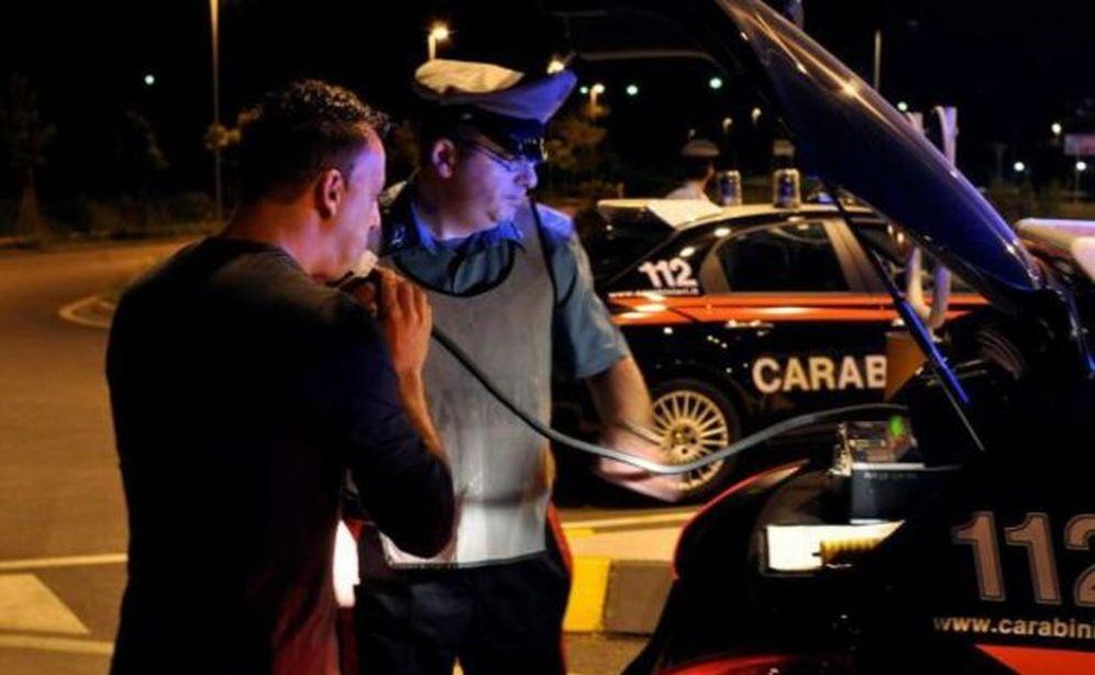 Ad Alessandria i controlli dei carabinieri sorprendono due che guidavano ubriachi