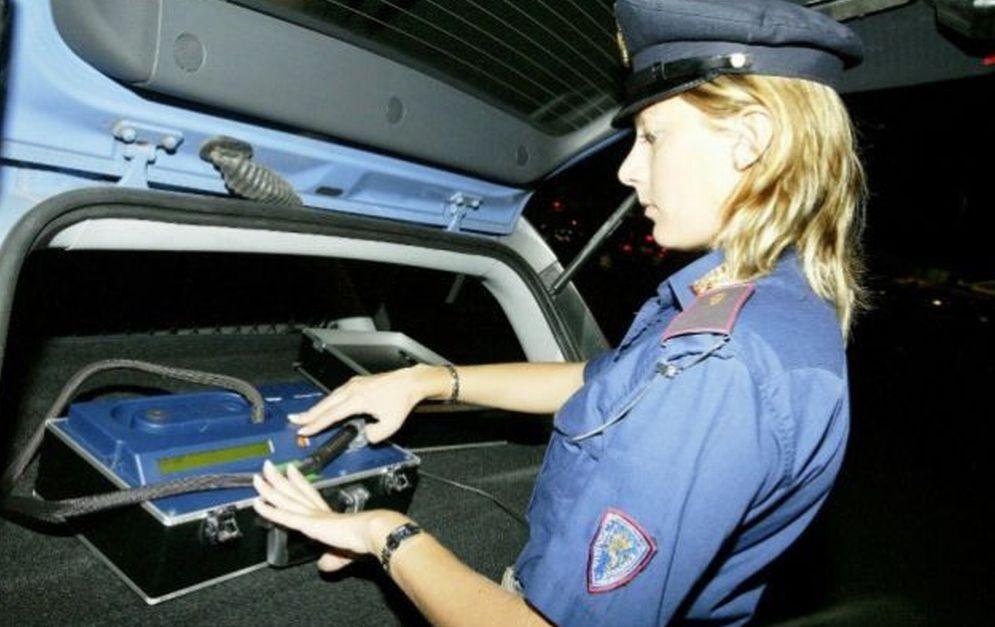 Truffe online e vendita di auto, la polizia di Alessandria denuncia due siciliani