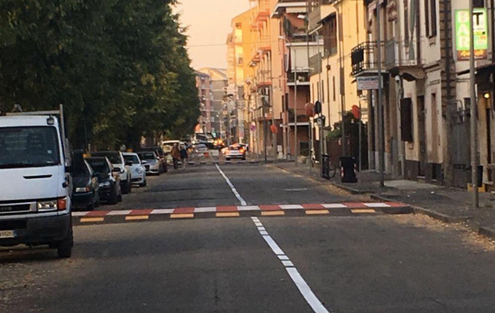 Terminati i lavori, a Tortona riaperto al traffico Corso Don Orione con i nuovi dissuasori