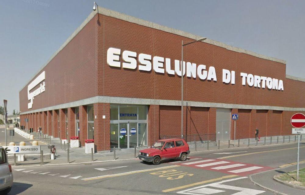 Doppio furto all'Esselunga di Tortona e per 70 euro una coppia finisce nei guai