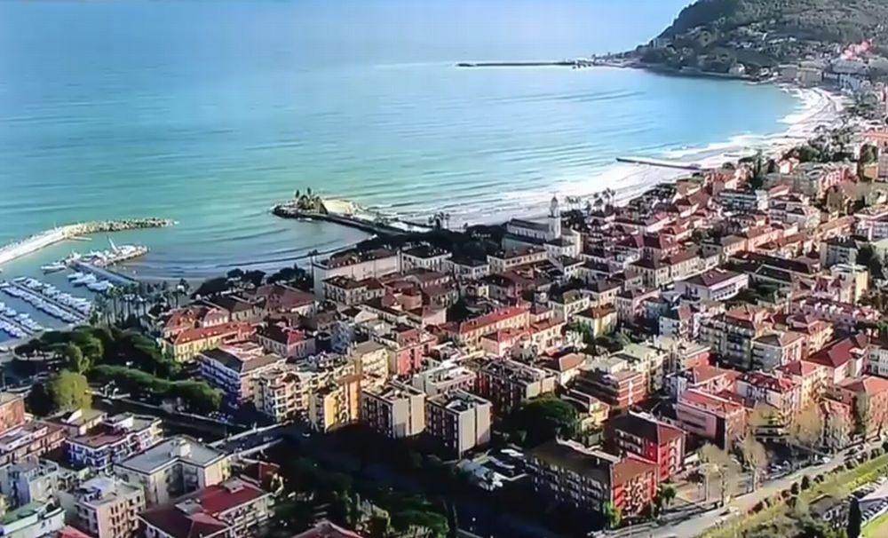Quanto avrebbe guadagnato l'economia di Diano Marina con una stazione collegata in modo efficace?