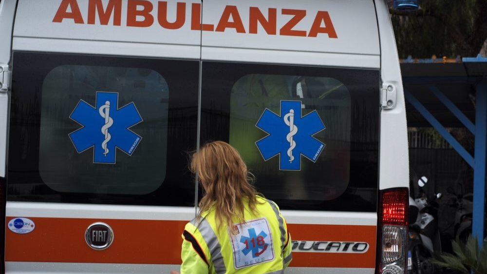 Ovada, motociclista fuori strada, è grave al San Martino di Genova