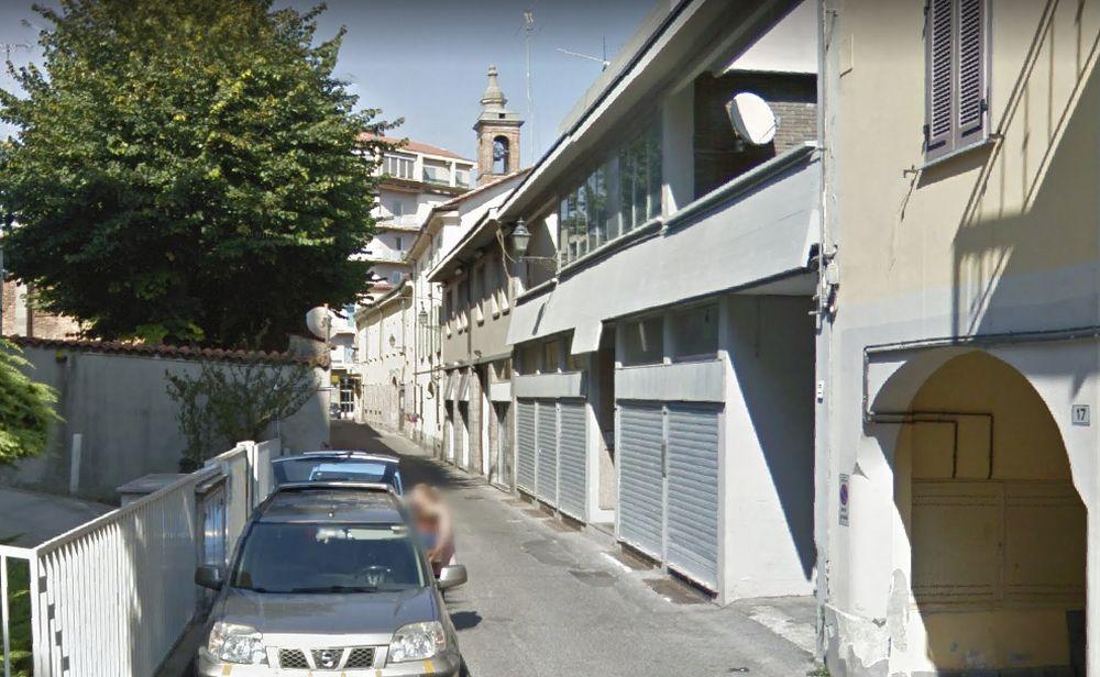 Fiamme in un appartamento in via Mirabello a Tortona, inagibile la casa, recuperati i 6 gatti