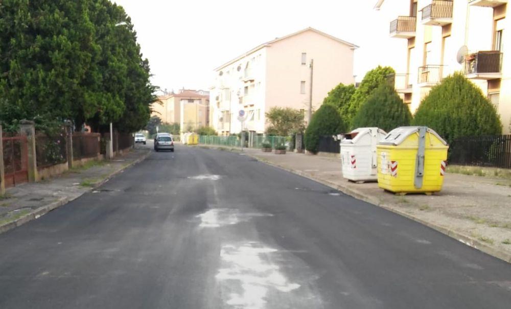Proseguono i lavori del Piano Strade a Tortona, asfaltata  pure via Morandi