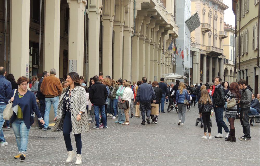 Commercio a Tortona: quanto è difficile essere professionali, gentili  e sapersi rinnovare!