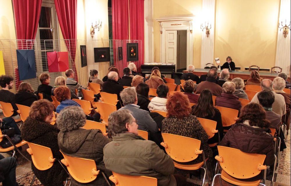 Ancora tanta gente all'incontro filosofico a Tortona e martedì si replica