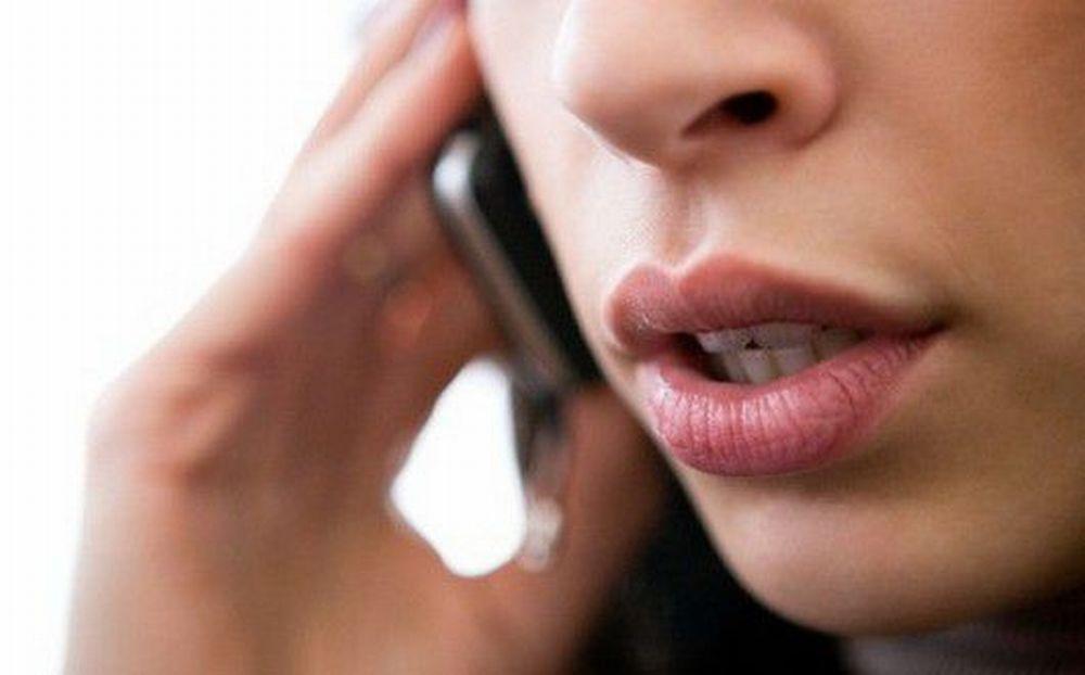 La giovane di 23 anni di Viguzzolo che ha investito Montanari usava il telefonino? La Procura apre un'indagine