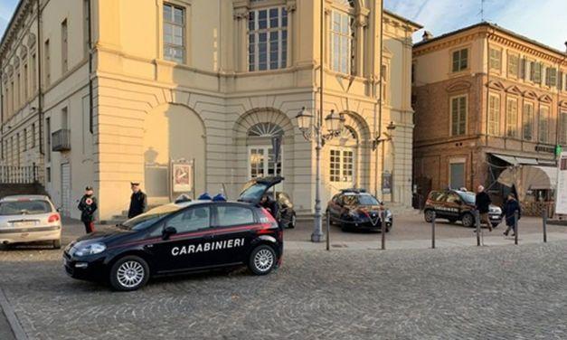 Casale Monferrato, due persone denunciate per danneggiamento e una per furto
