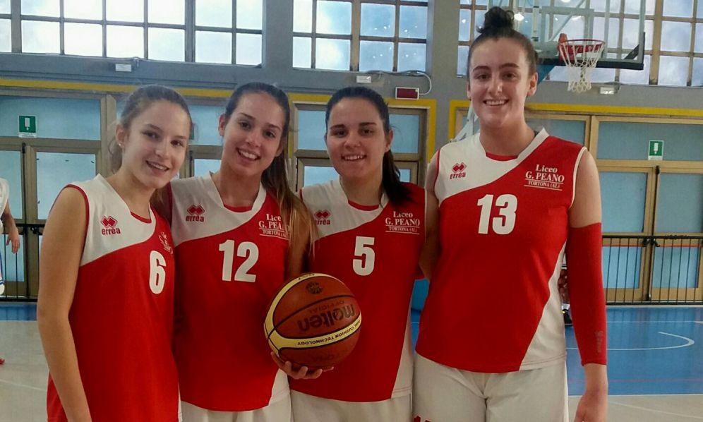 """Le ragazze del Liceo """"Peano"""" di Tortona vincono i Campionati Studenteschi provinciali. Ottimi secondi i ragazzi"""
