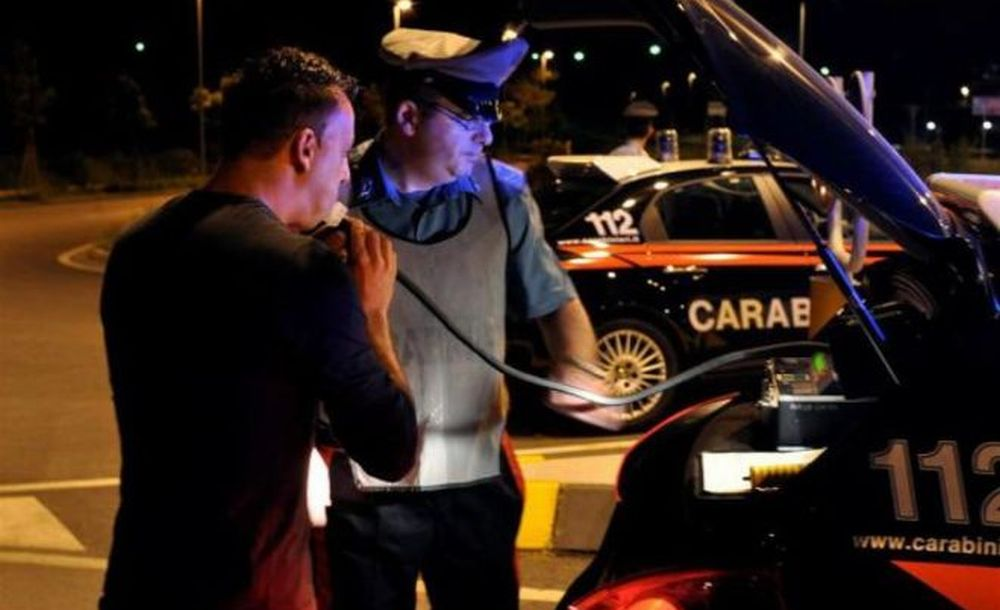 I Carabinieri di Bassignana fermano un giovane che guida ubriaco e lo denunciano