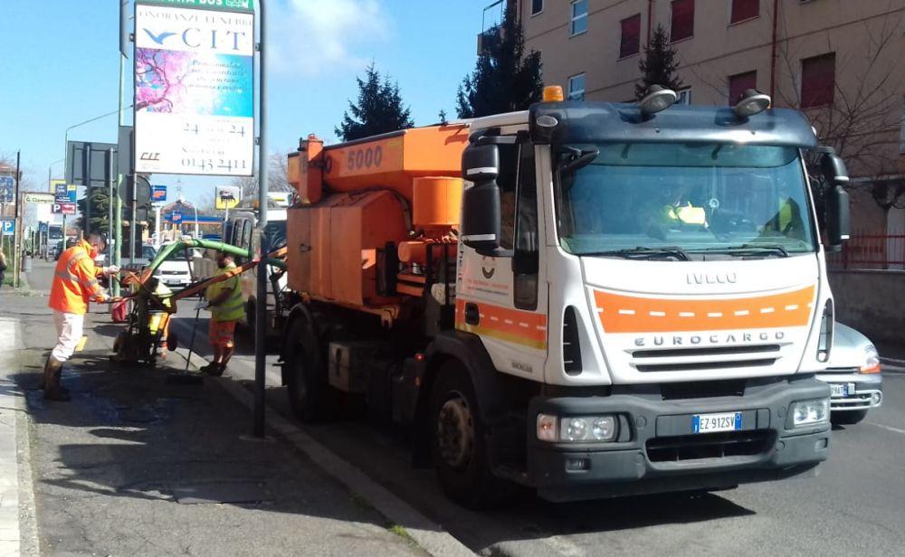 """Interventi di manutenzione su strade e marciapiedi a Novi Ligure, in funzione il """"tappabuche"""""""