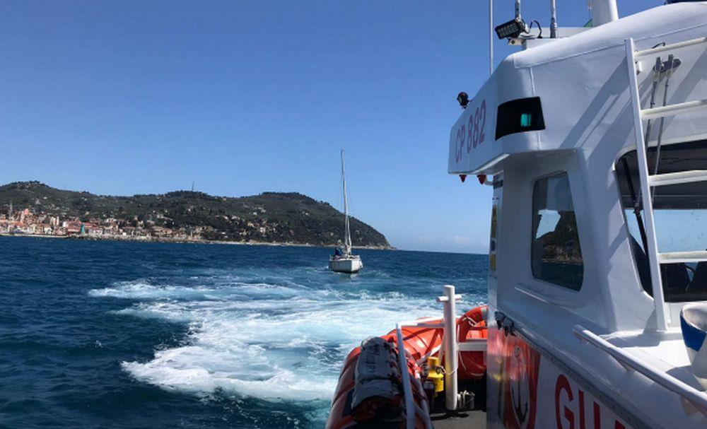 Duplice intervento di salvataggio in mare della Guardia costiera di Imperia