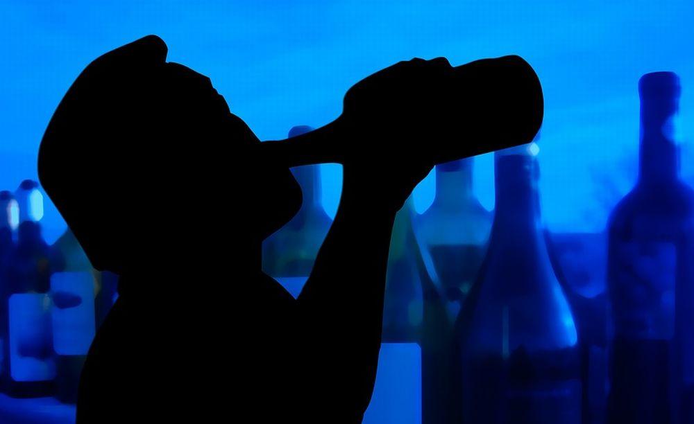 Autista di pullman con turisti a bordo, ubriaco. La Polstrada di Ovada evita un'ennesima tragedia