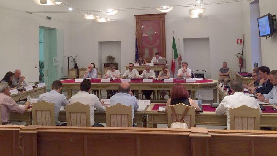 """La cronaca degli argomenti """"minori"""" discussi lunedì in Consiglio Comunale a Tortona"""