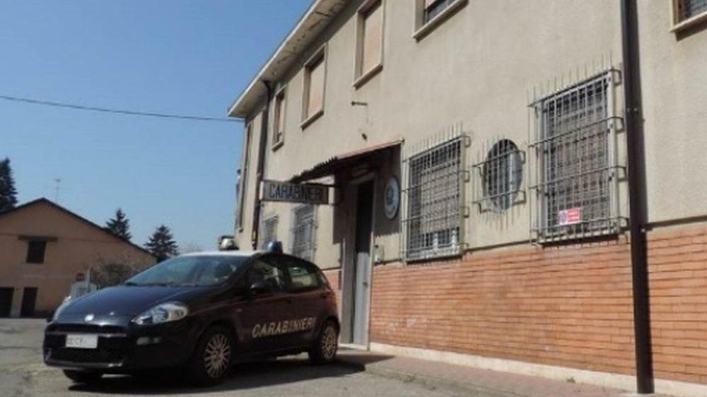 Furgone in fiamme a Solero, denunciati due uomini e una donna