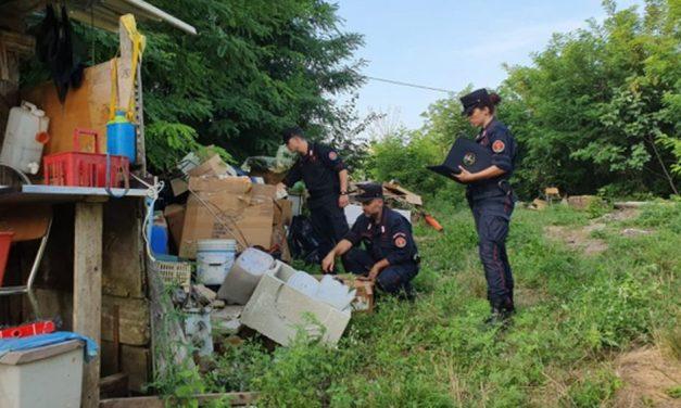Gli agenti della forestale di Acqui Terme scoprono rifiuti abusivi