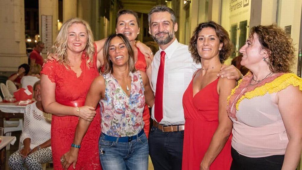 """Le immagini della """"Serata in rosso"""" al Gran bar Bardoneschi di Tortona: ennesimo successo"""