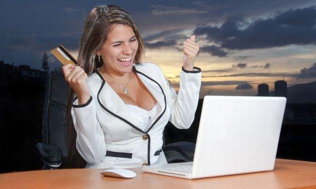 Donna di Bassignana fa acquisti sul web per 7 mila euro, poi si pente e finge un furto