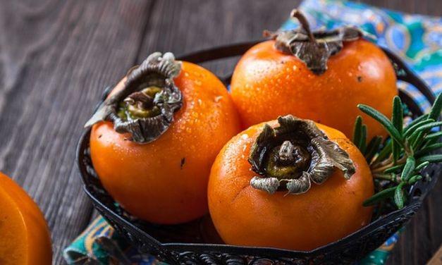 Nei mercati della provincia e in via Guasco ad Alessandria. Frutta e verdura di stagione, alleati importanti per l'organismo nei cambi di stagione